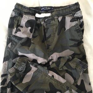 NWOT Mini Boden camo pants